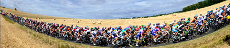 cropped-Peleton-in-the-fields.jpg